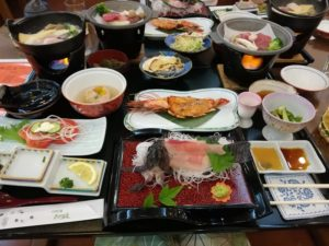 芹沢旅館食事