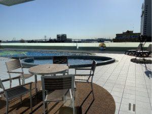 アパホテル&リゾート〈横浜ベイタワー〉ベイサイドプール